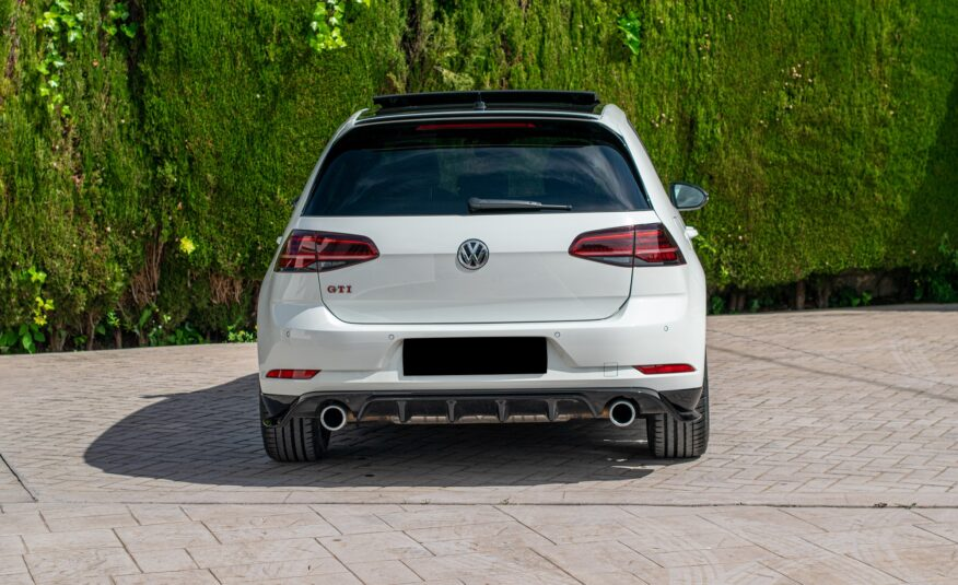 golf gti blanco de Alemania